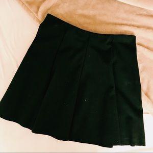 Dresses & Skirts - Brandy Melville Black pleated skirt